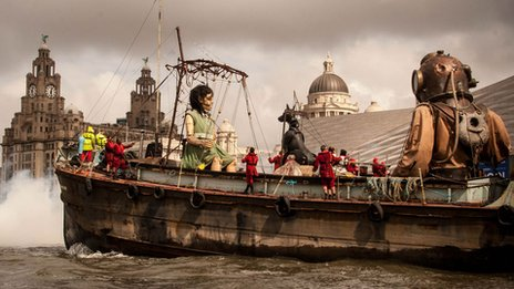 bbc picture of giants leaving Liverpool